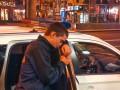 В Киеве на Крещатике неадекватный парень бросался на людей, плакал и звал полицию