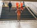 В метро Киева двухлетней девочке зажало ногу эскалатором