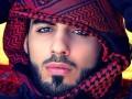Неотразим и опасен: Появились ФОТО мужчины, депортированного из-за красоты
