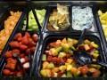 В США 40% продуктов питания оказываются на помойке