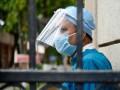 Среднюю доплату украинским врачам увеличат на 3500 грн