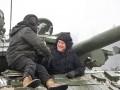 Американский генерал покатался на танке ВСУ