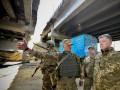 Порошенко посетил опорные пункты ВСУ под Донецком