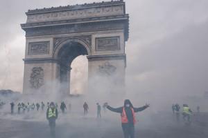 """Протесты """"желтых жилетов"""": Сколько заплатят за ущерб Триумфальной арки"""