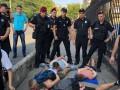 Полиция задержала 14 футбольных фанатов, подравшихся в Одессе