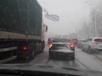 Снегопад парализовал въезды в Киев, в городе много ДТП