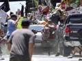 В США авто въехало в толпу протестующих, есть жертвы