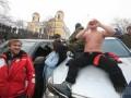 Сторонники Саакашвили разбирают брусчатку и строят баррикады