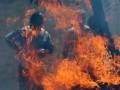 В Киевской области тушат пожар в цеху по изготовлению растворителя
