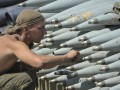 Порошенко предложил построить завод по производству боеприпасов