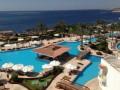 В одном из египетских отелей сотни российских туристов остались без еды и обслуживания