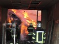 В Чернигове произошел масштабный пожар на складе, погиб сотрудник