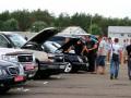Вслед за техникой россияне массово скупают автомобили