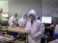 В Китае одобрили три лекарства для лечения COVID-19