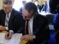 Губернатор Закарпатья пришел на заседание Кабмина в часах за 200 тысяч гривен