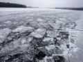 Сегодня 90 пиротехнических групп начнут подрывать лед для прохождения воды в украинских водоемах