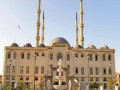 Египетскую студентку отчислили из университета за объятия с мужчиной