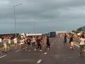 Украинцы устроили танцы на границе с Польшей