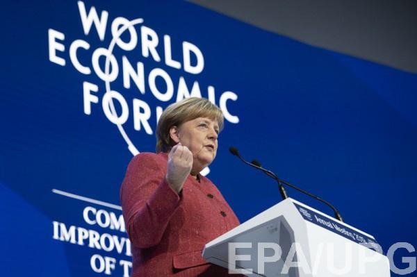 Меркель в Давосе призвала не допустить повторения экономического кризиса