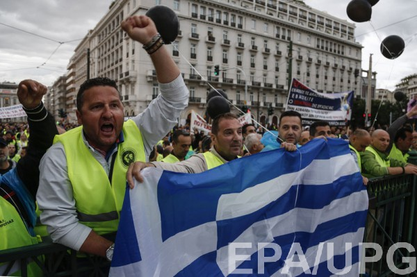 Греческий долг превышает 300 миллиардов евро