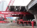 Голландская спецтехника сняла первый пролет Шулявского моста