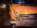 В Киеве скорая протаранила автомобиль: пять пострадавших