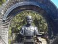 На севастопольском кладбище обнаружили бюст Януковичу-младшему