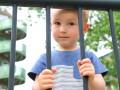 В Кабмине хотят значительно сократить количество детей в интернатах