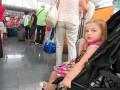 Количество украинцев, желающих покинуть страну, выросло в 14 раз