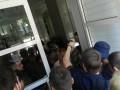 Люди в камуфляже блокировали ОГА в Днепропетровске - как это было
