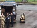 Подозрительный пакет: в Британии эвакуировали завод по производству вакцин