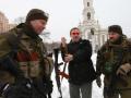 Охлобыстин привез подарки Мотороле и заявил, что готов воевать за ДНР