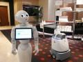 В Токио зараженным COVID-19 помогают роботы
