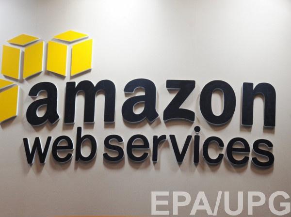"""Amazon продавал диванные подушки и детские футболки с """"серпом и молотом"""""""