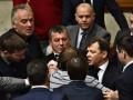 Депутат на костылях устроил потасовку в Раде