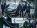 Снимает стресс: В машине Зеленского заметили успокоительное