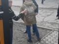 В Черновцах пассажир маршрутки ударил водителя камнем по голове