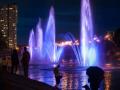 Обновленные фонтаны на Русановке в Киеве подсветили