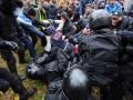 В Одессе митинг перешел в потасовку: начальнику полиции разбили голову