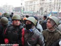 Утро после разгона Майдана: новые баррикады и чай с бутербродами (ФОТО)
