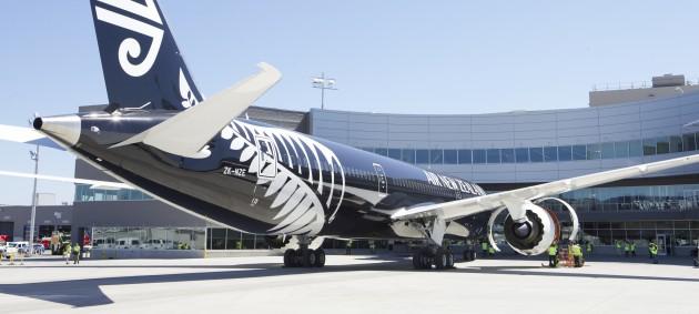 Впервые пассажирский лайнер совершил перелет на биотопливе