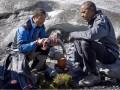 Обама доел лосося за медведем