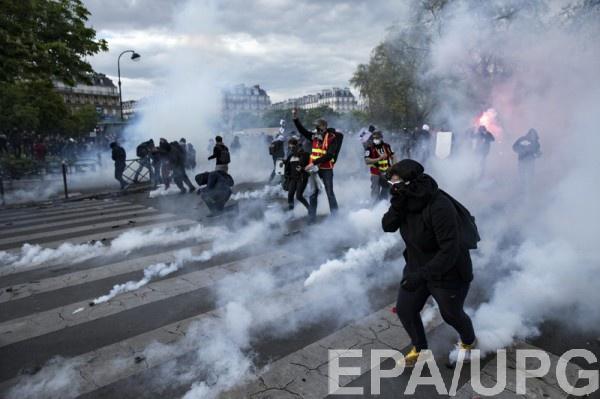 Ранены 24 полицейских— Протесты воФранции