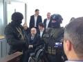 Кернеса эвакуировали из зала суда из-за яиц и угрозы жизни - СМИ
