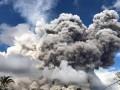 Вулкан Синабунг выбросил гигантское облако пепла