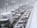 В трех областях ограничили движение из-за надвигающегося снегопада