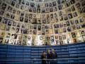 Порошенко почтил память жертв Холокоста