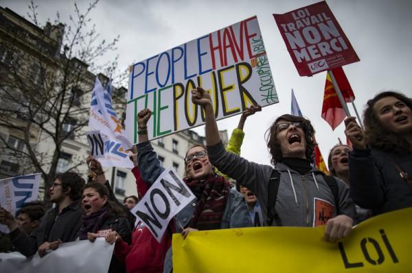 ВоФранции протестующие пытались устроить демонстрацию удома премьера