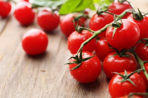 """""""Золотые"""" помидоры: в супермаркете Киева появились томаты для миллионеров"""
