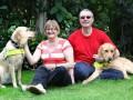 Слепые британцы познакомились благодаря собакам-поводырям